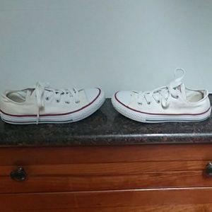 Converse All Star Sneakers. EUC